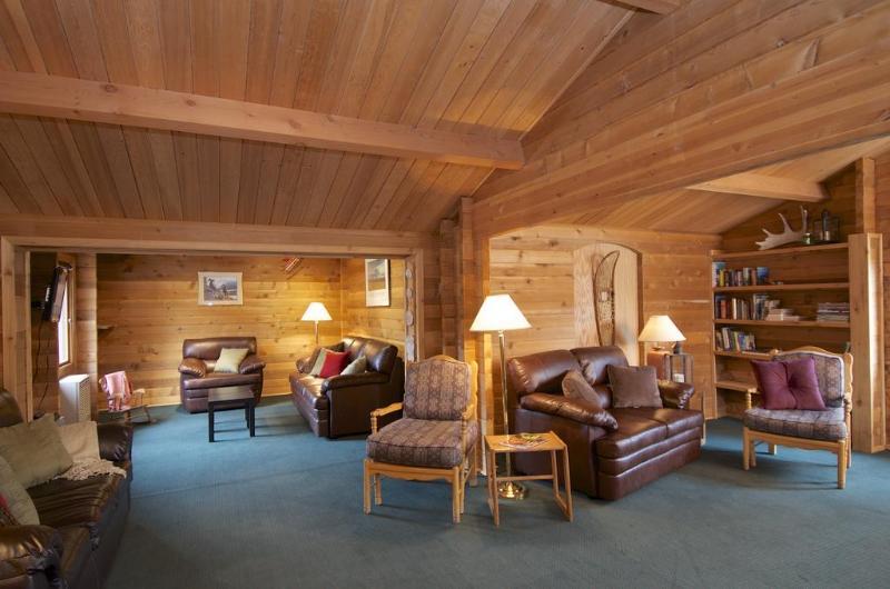 Lobby Denali Cabins