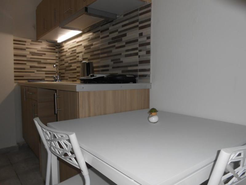 Room Aristo Studios