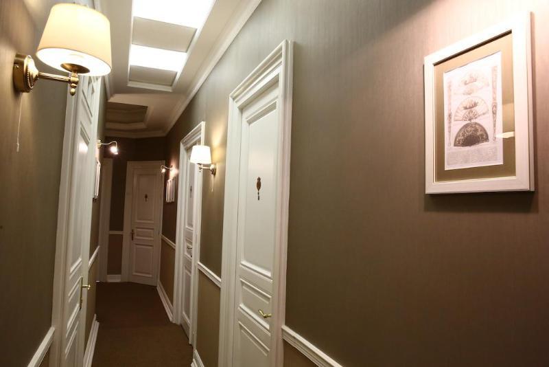 Lobby Modern Art Hotel