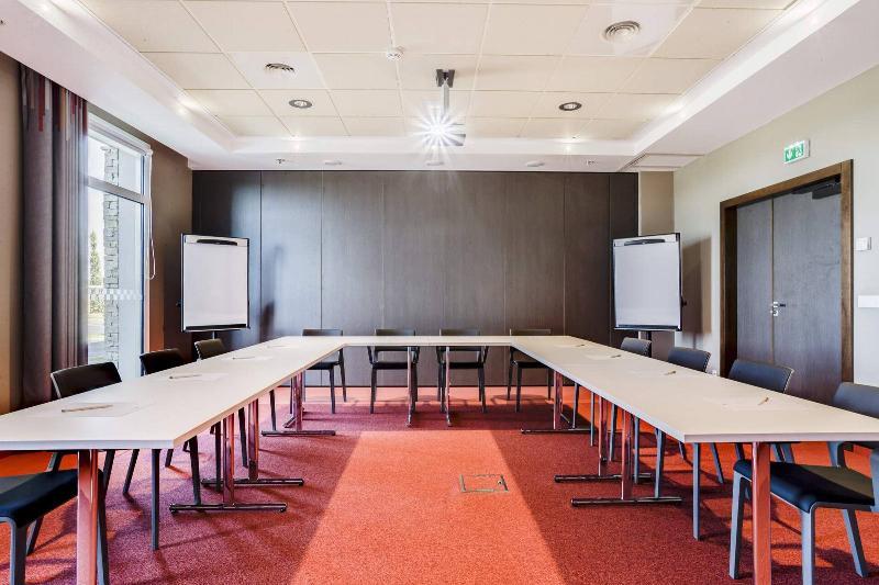 Capetan Tasos Apartments - Conference - 4