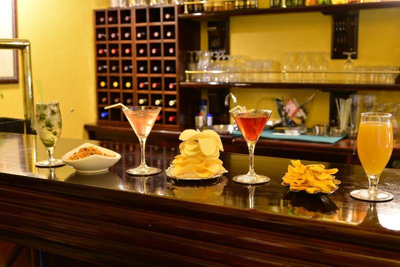 Bar De Hoek Country Hotel