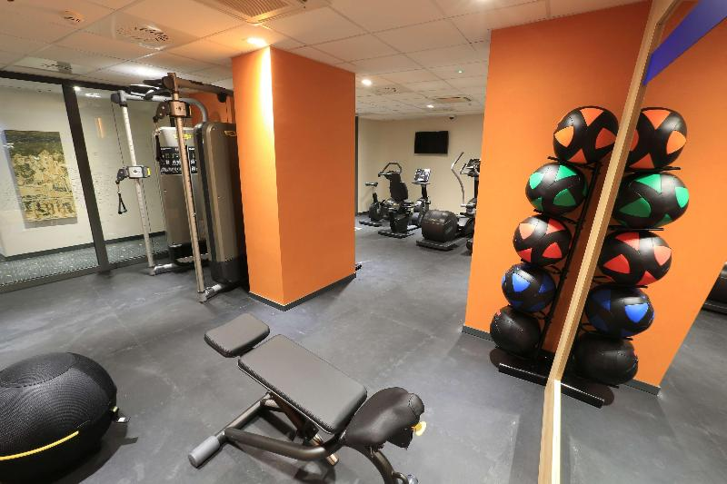 Sports and Entertainment Hampton By Hilton Gdansk Old Town