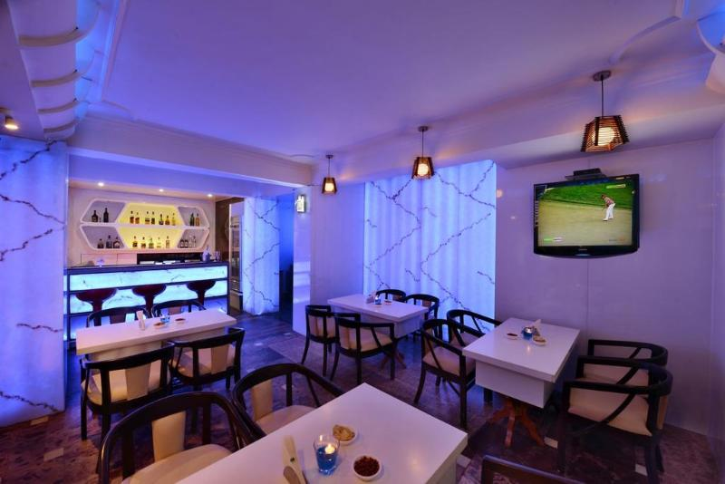 Bar Ashiana Clarks Inn