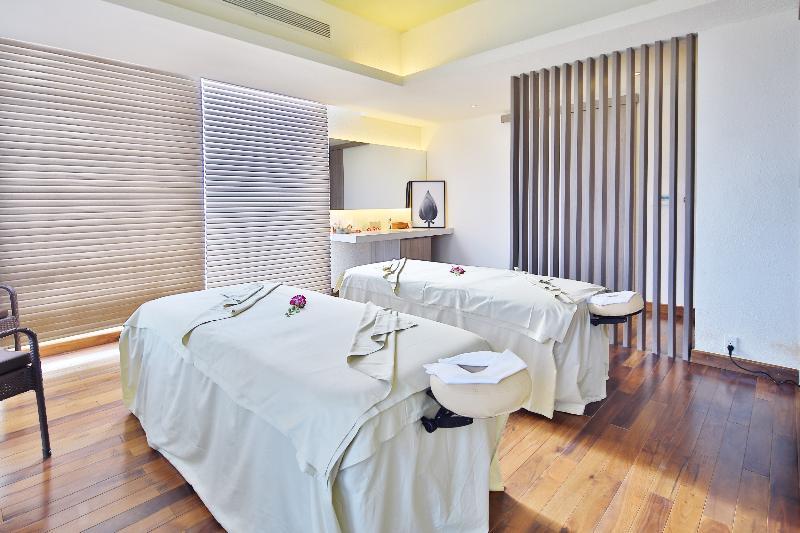 Sports and Entertainment Zen Diamond Suites Hotel Danang