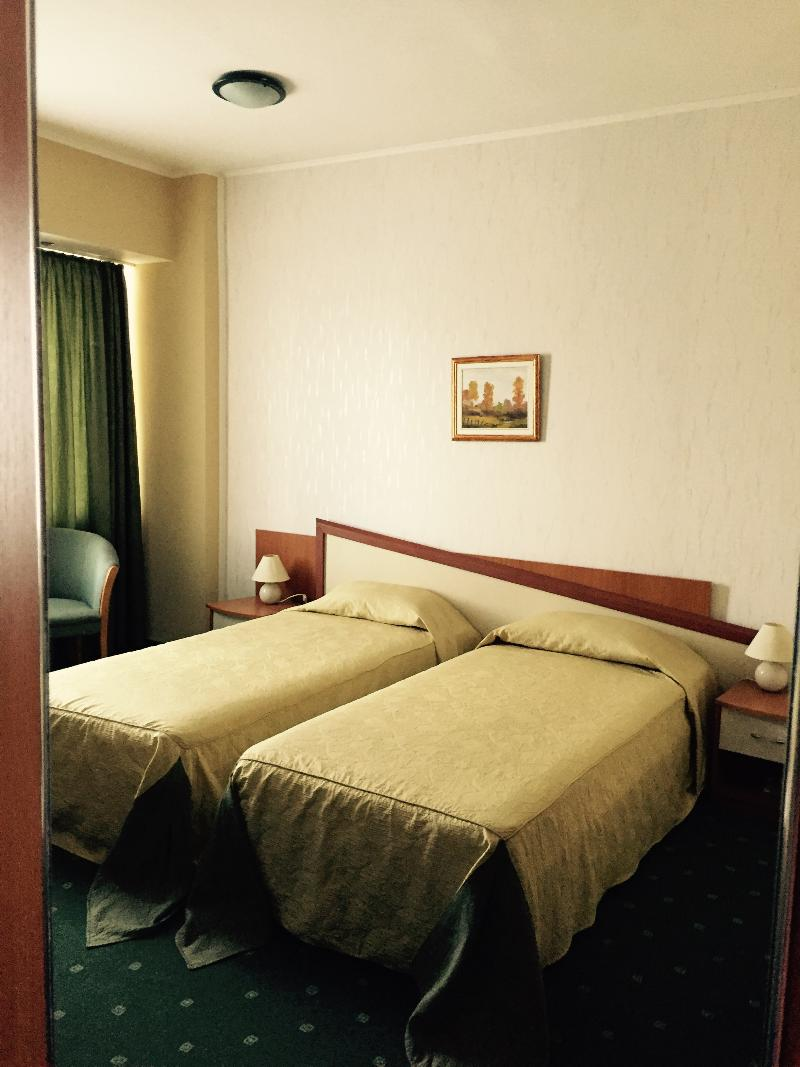 Room Millenium Hotel