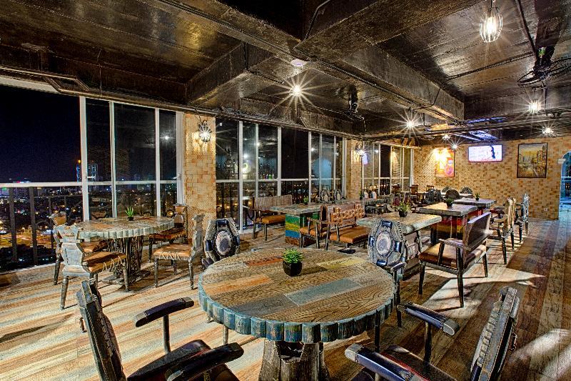 Bar Fivitel Danang Hotel
