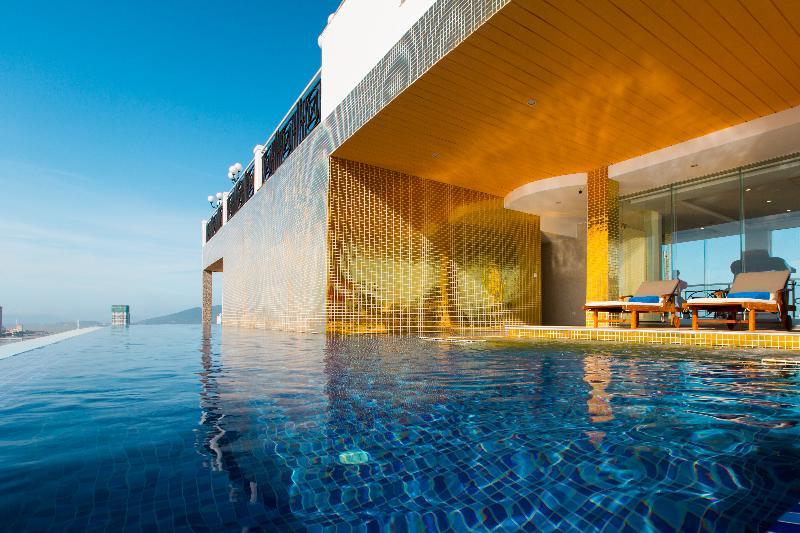 Pool Fivitel Danang Hotel