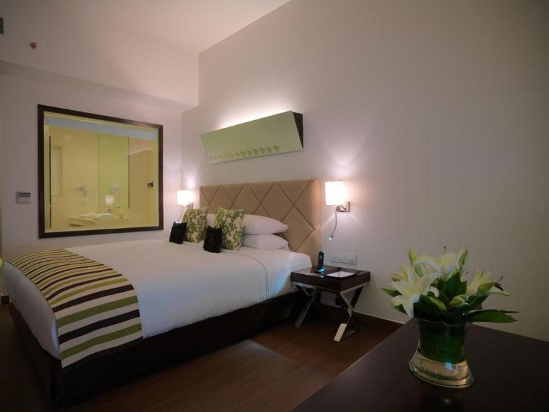 Room Zone By The Park, Gurugram Central