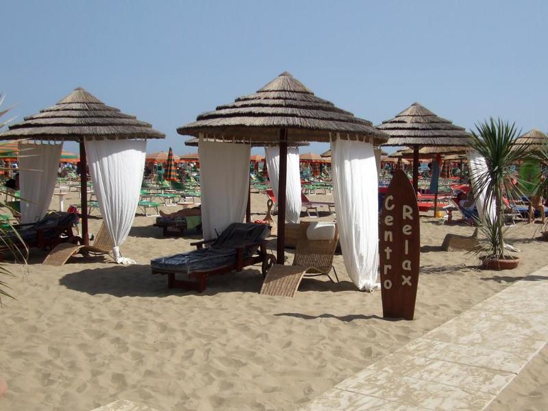 Beach Hotel Como