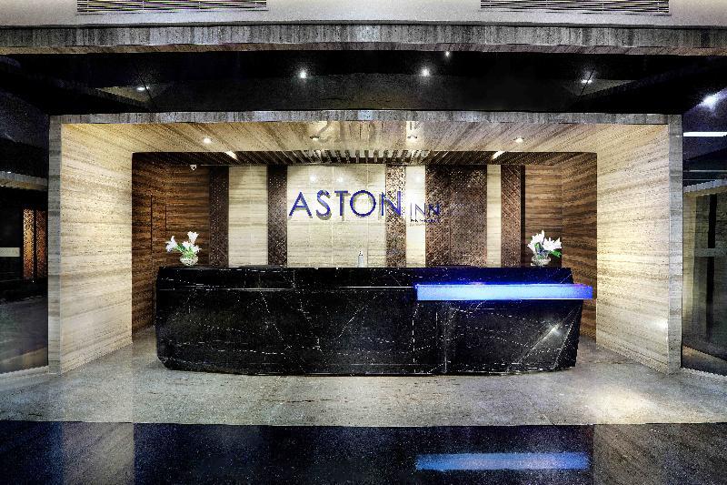 Lobby Aston Inn Pandanaran Semarang