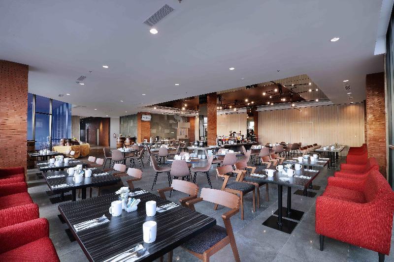 Restaurant Aston Inn Pandanaran Semarang
