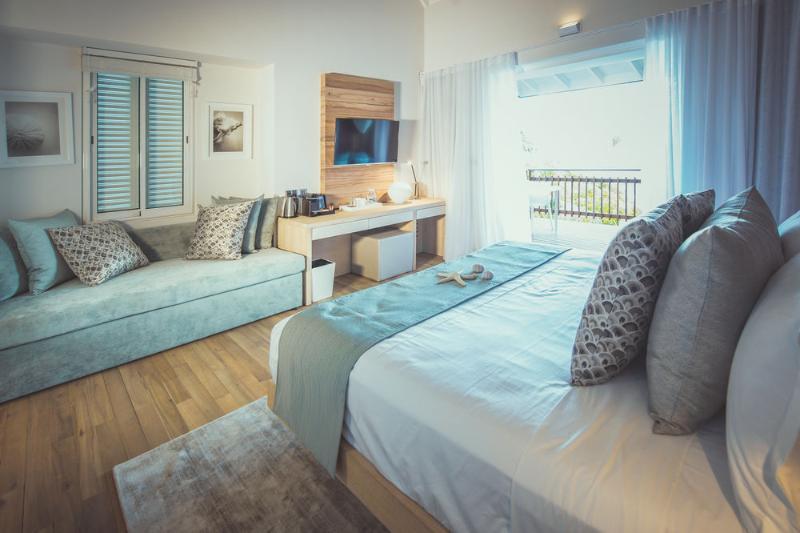 Room Carana Beach
