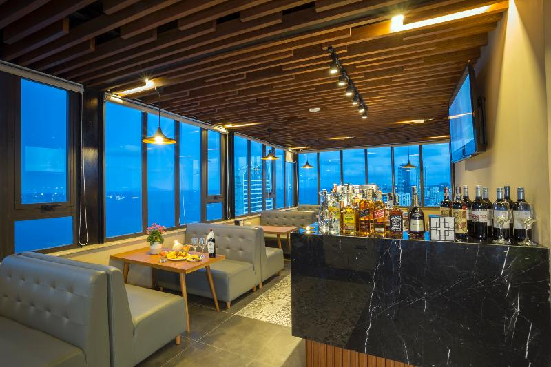 Bar Pavilion Danang Beach Hotel