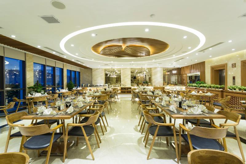 Restaurant Pavilion Danang Beach Hotel
