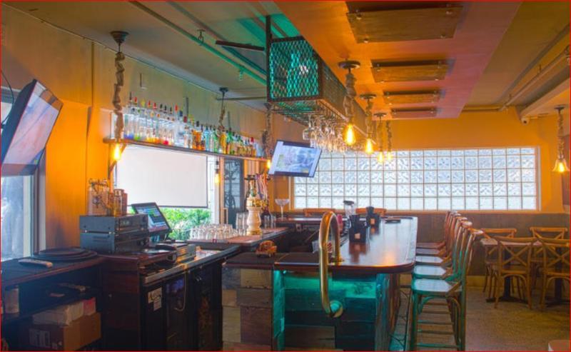 Bar Miami Beach International Hostel