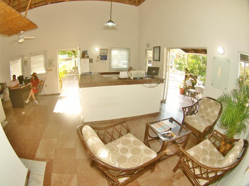 Lobby Villas Del Palmar Manzanillo