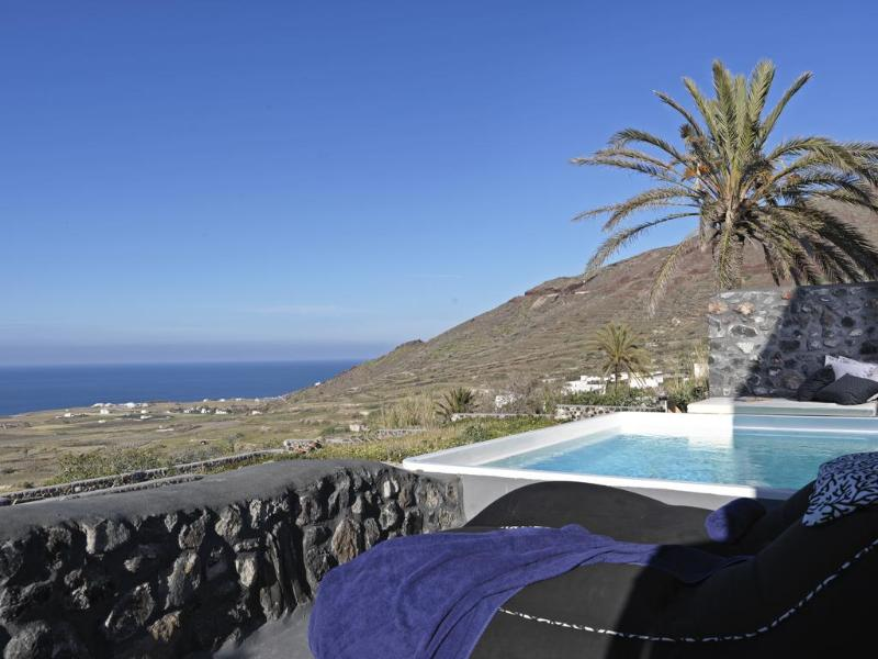 General view Elysian Santorini