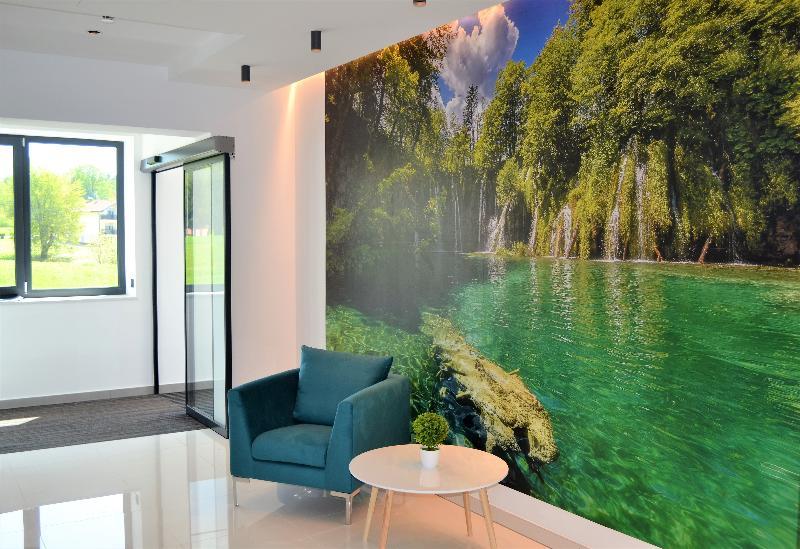 Lobby 16 Lakes Hotel