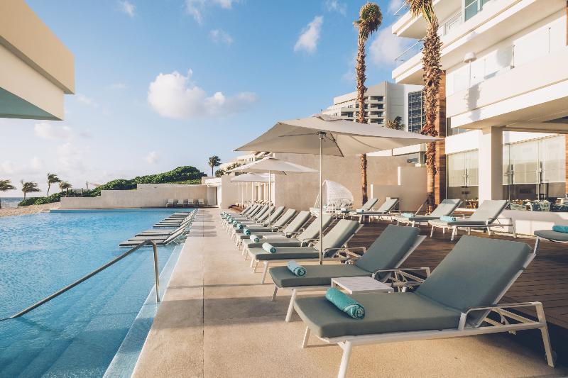 Pool Iberostar Cancún Star Prestige