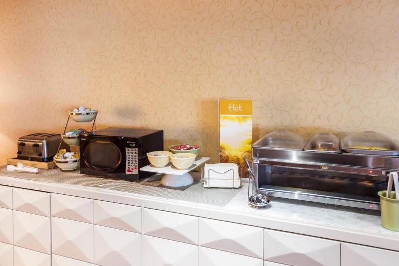Restaurant Quality Inn & Suites