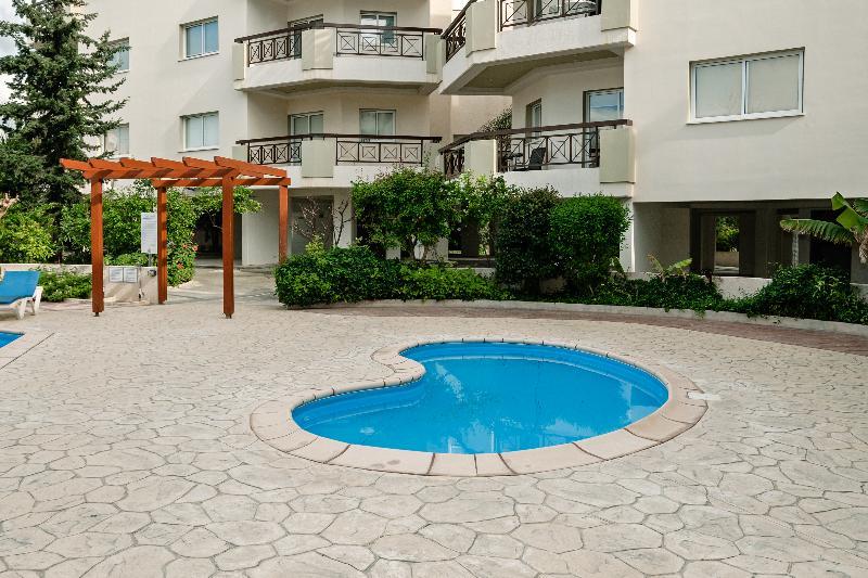 Pool Artemis Cynthia Complex