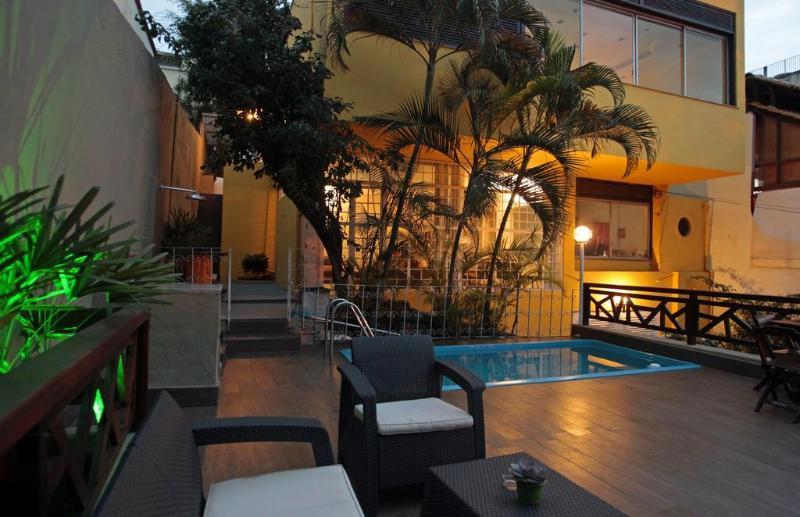 Pool Hangar Rio Hostel