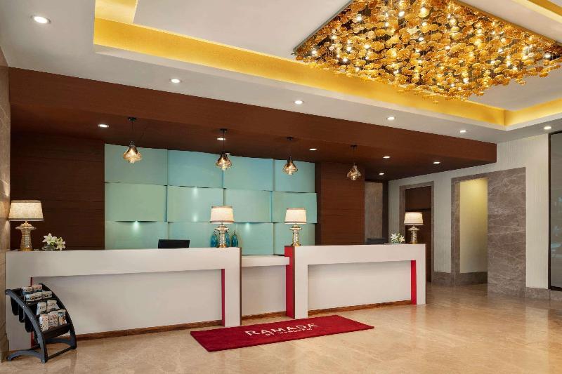 Lobby Hotel Sewa Grand