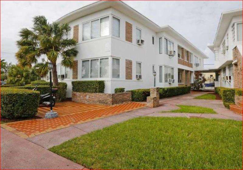 General view Garden Suites Miami Beach