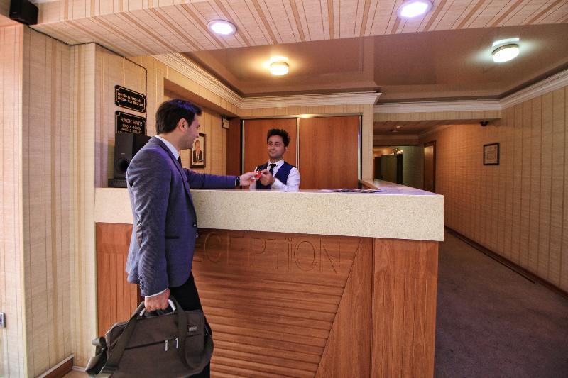 Lobby Tourist Hotel Baku