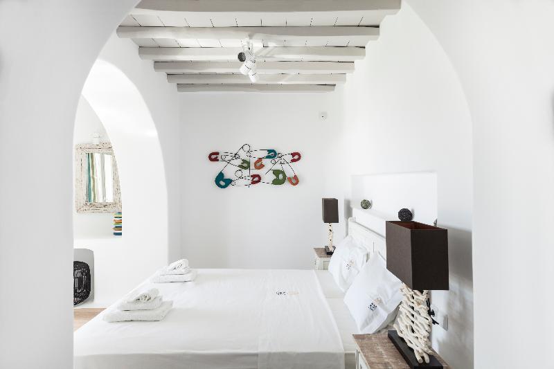 Room Amorous Villa