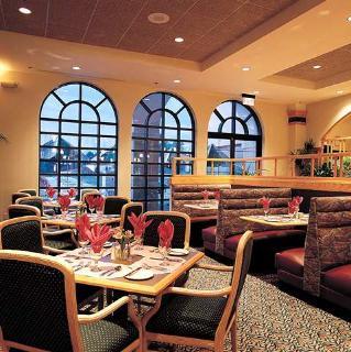 Embassy Suites Greenville Golf Resort