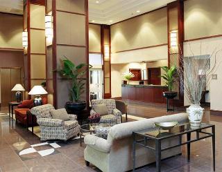 Hampton Inn & Suites Reagan National Airport