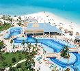 Pool Riu Caribe All Inclusive