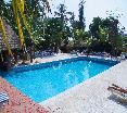Pool Bougainvillees