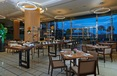 Restaurant V E Hotel & Residence