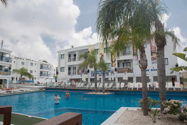 Tsokkos Holiday Hotel Apartments