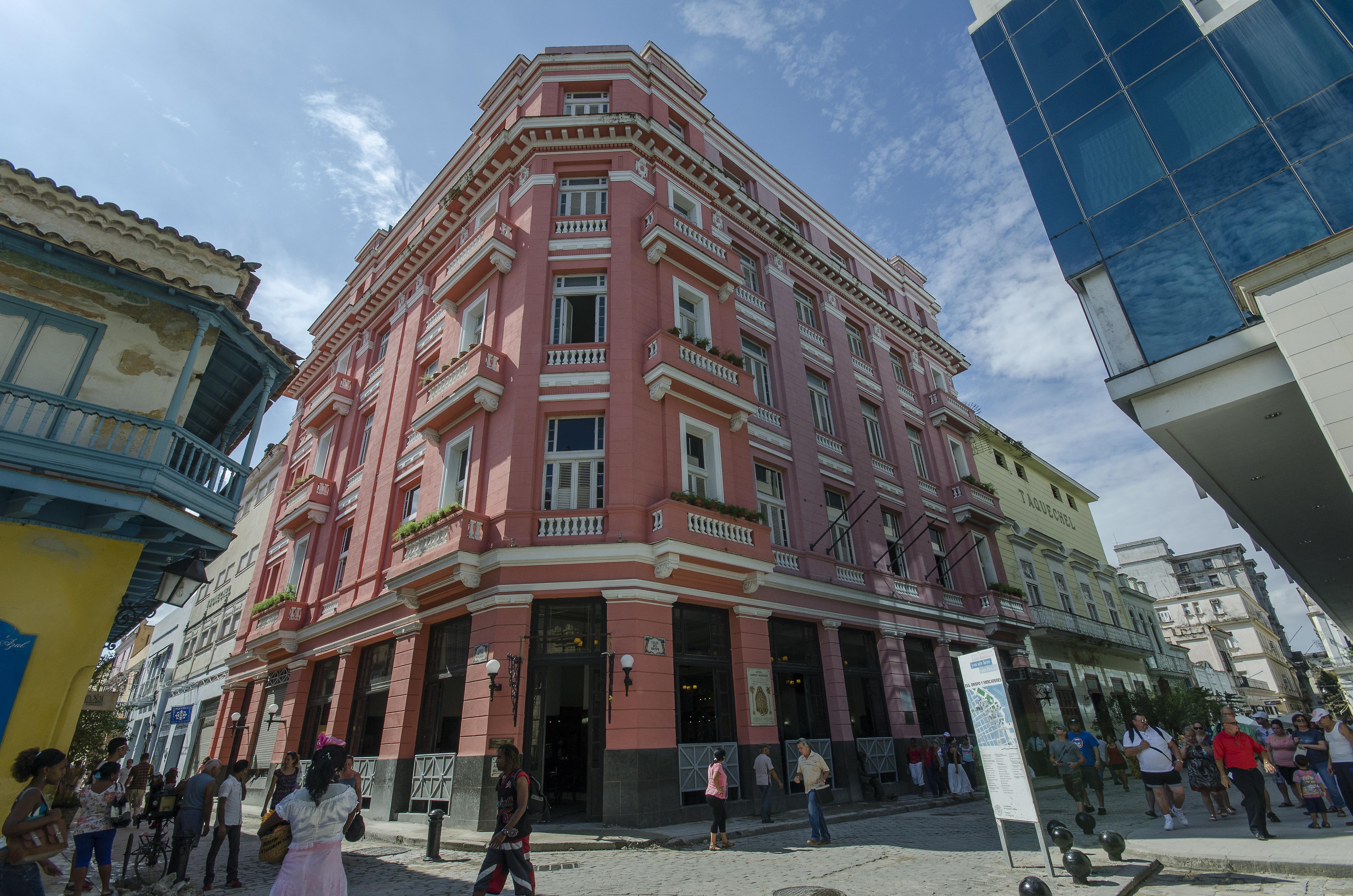 Ambos Mundos, Centro Habana
