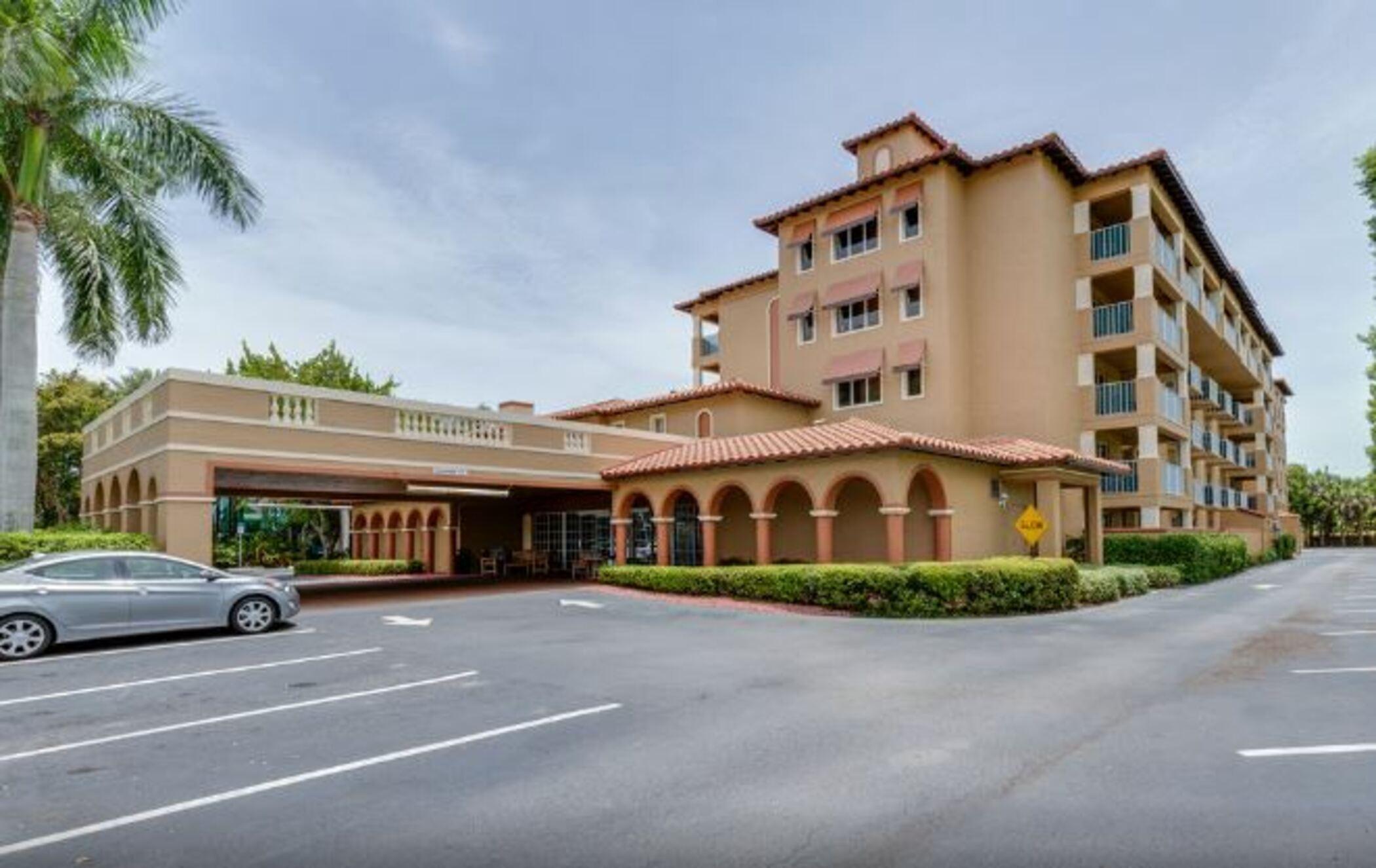 Quality Inn & Suites at Park Shore, Collier