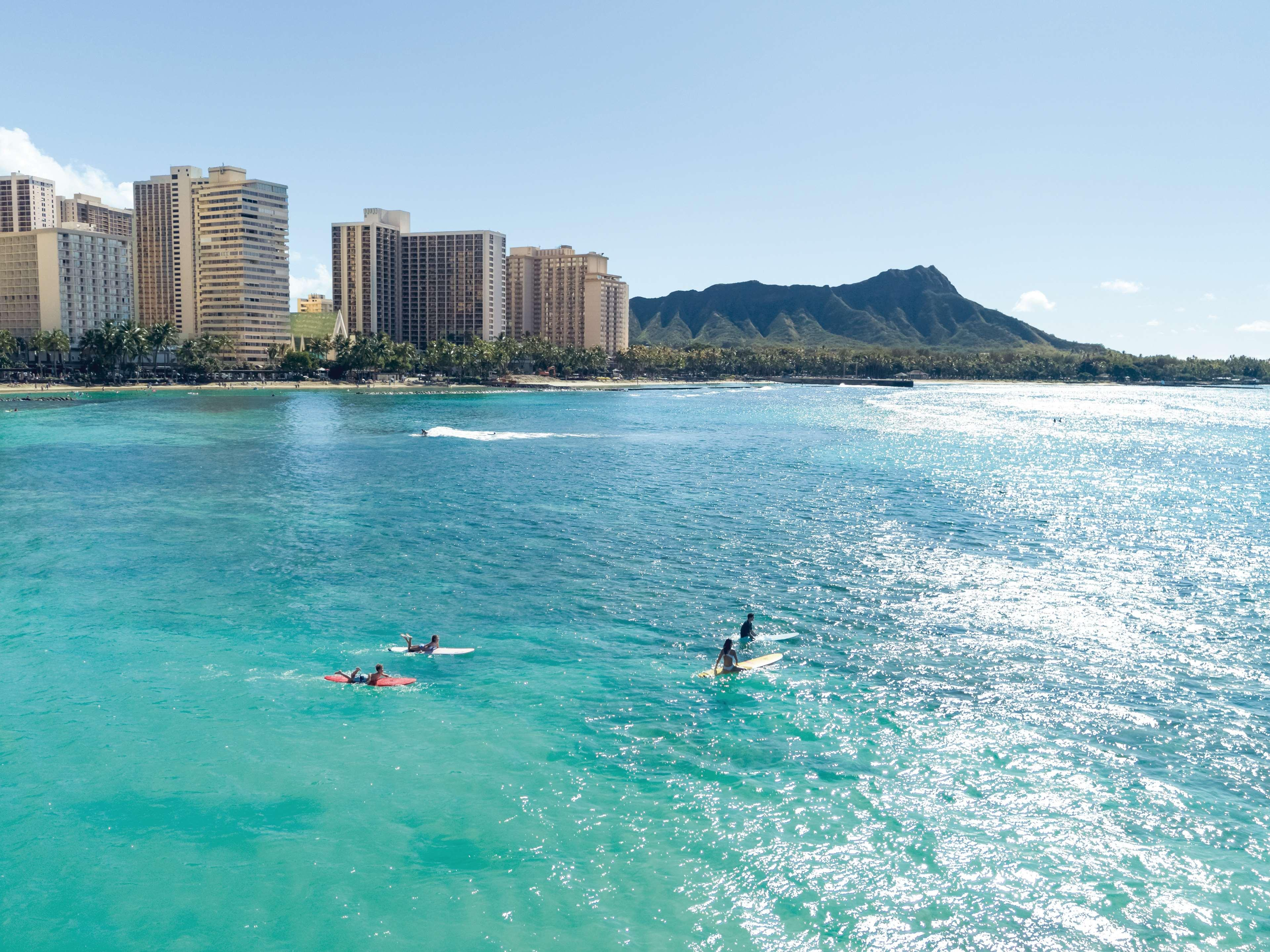 Embassy Suites - Waikiki Beach Walk, Honolulu