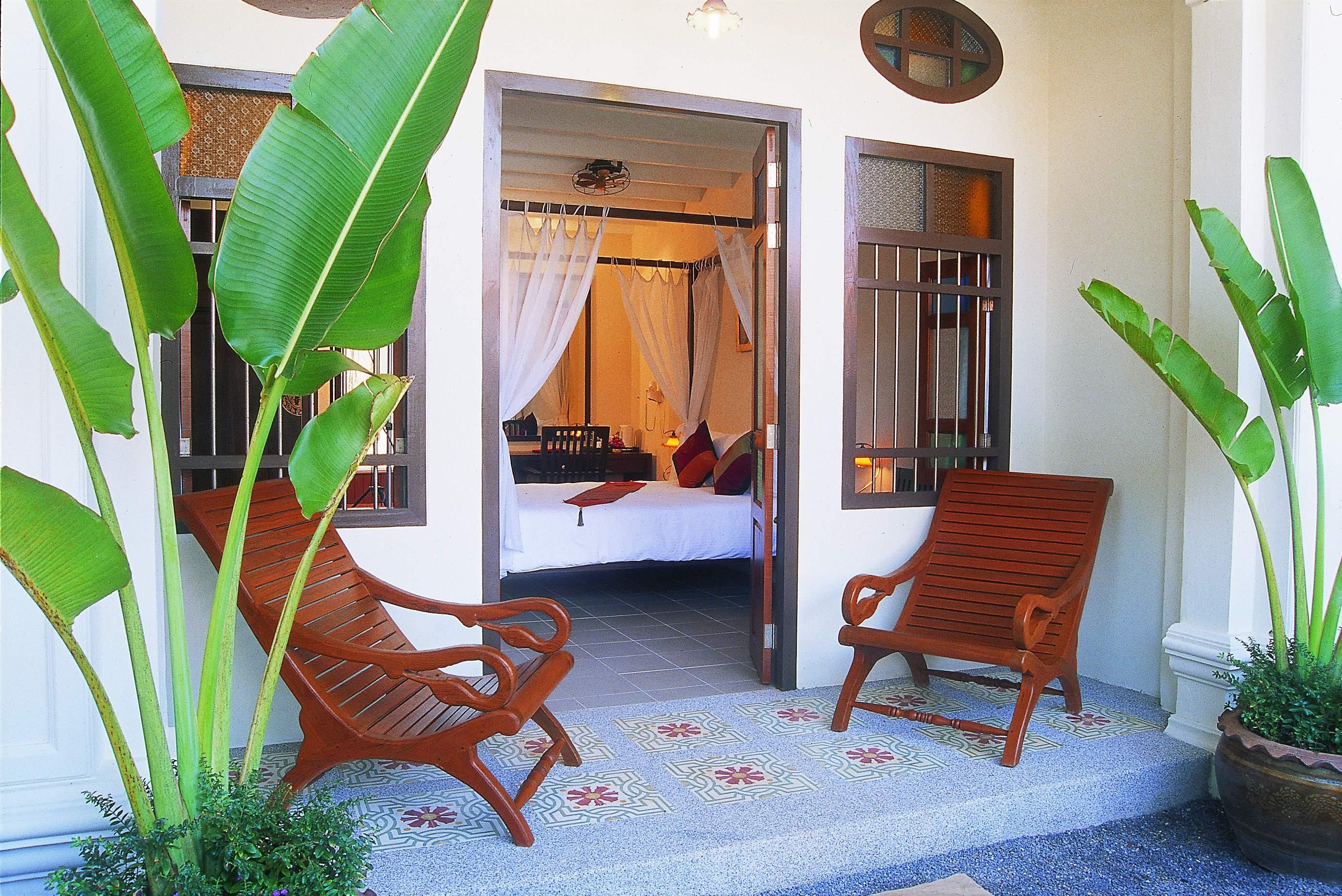 The Old Phuket - Karon Beach Resort, Pulau Phuket