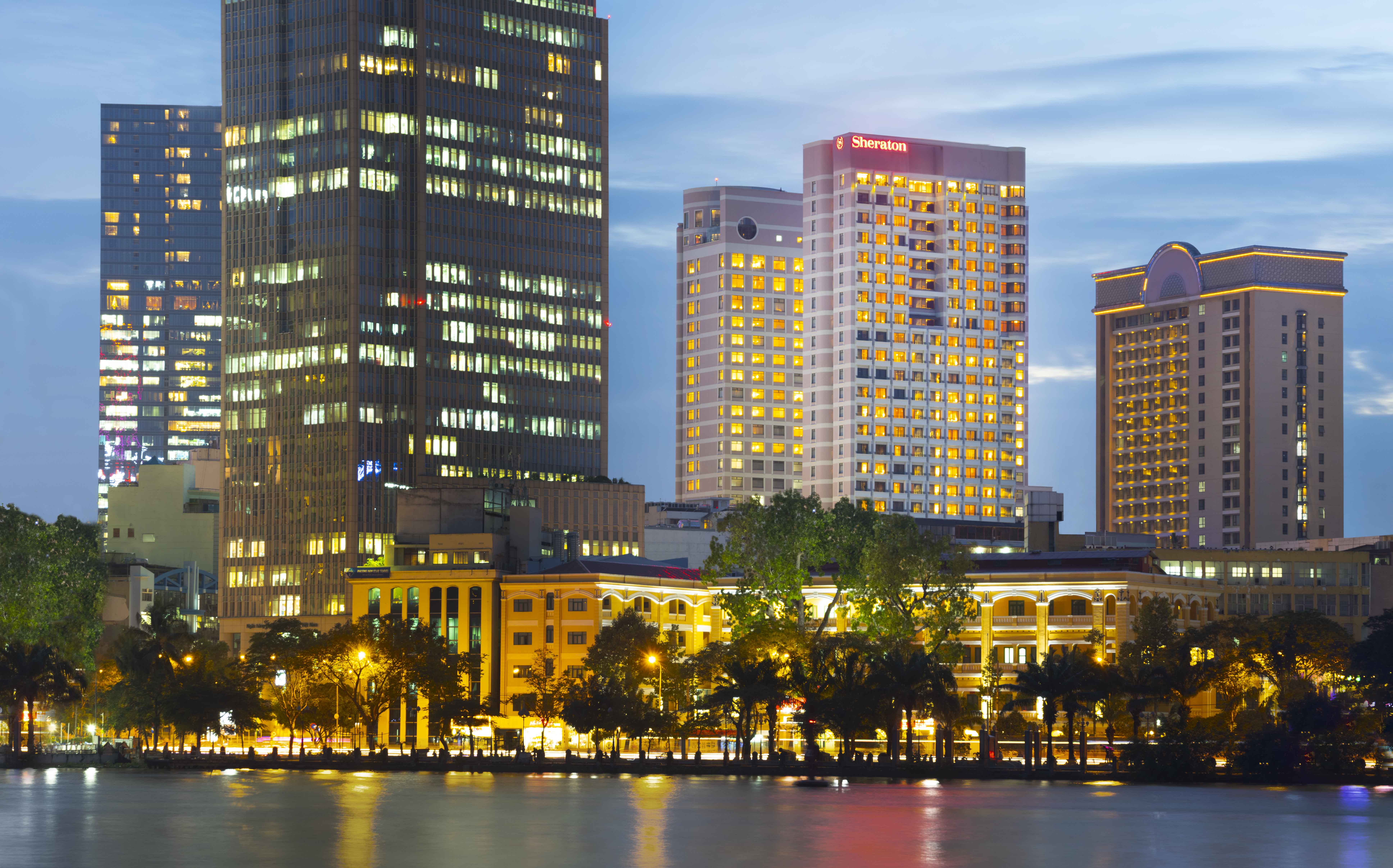 Sheraton Saigon Hotel & Towers, Quận 1