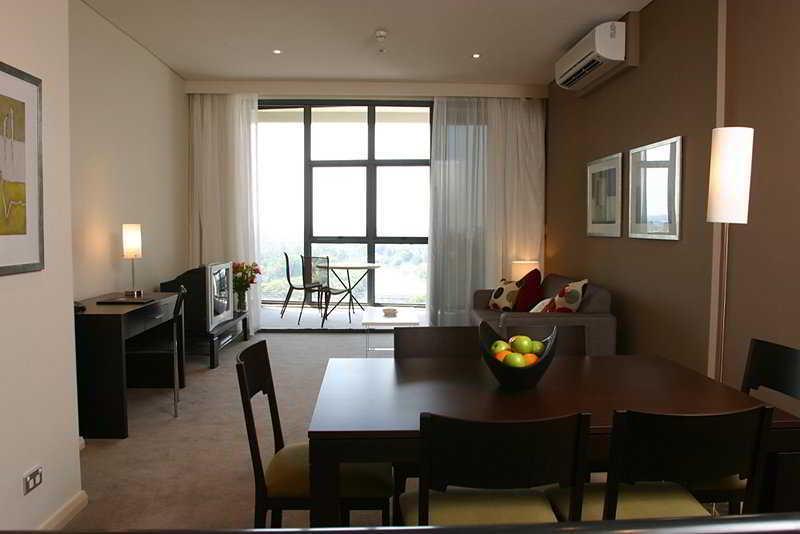 Meriton Serviced Apartments Parramatta, Parramatta  - Inner
