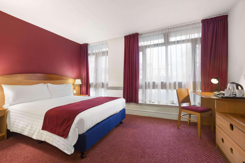 DAYS-HOTEL-LONDON--WATERLOO