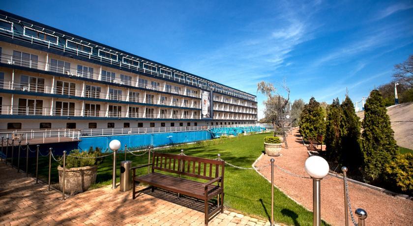 Bakkara Art-Hotel, Dniprovs'kyi
