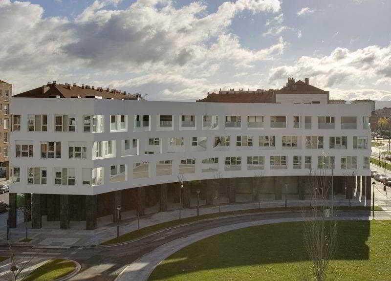 Irenaz Vitoria Apartamentos, Álava