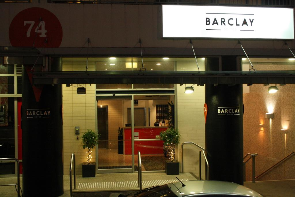 Barclay Suites, Waitakere