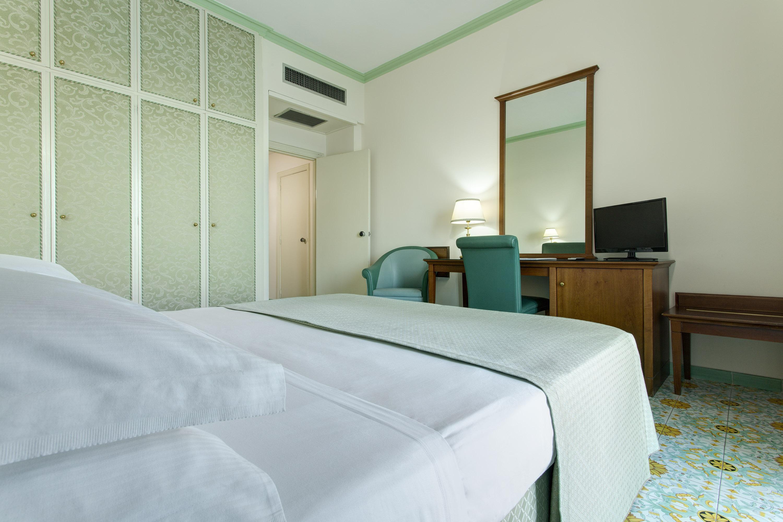 Lloyd's Baia Hotel