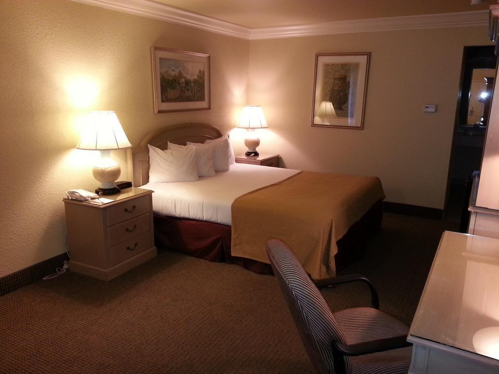Quality Inn & Suites, Solano