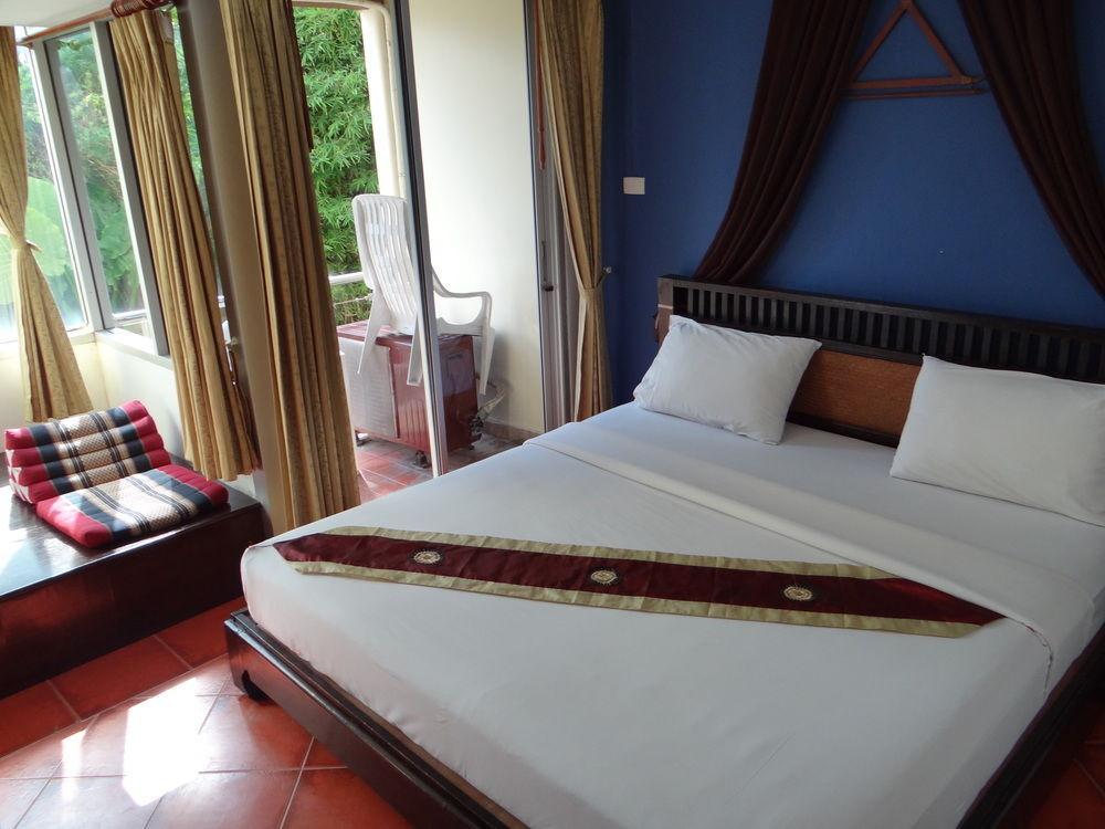 Le Tong Beach Hotel, Pulau Phuket