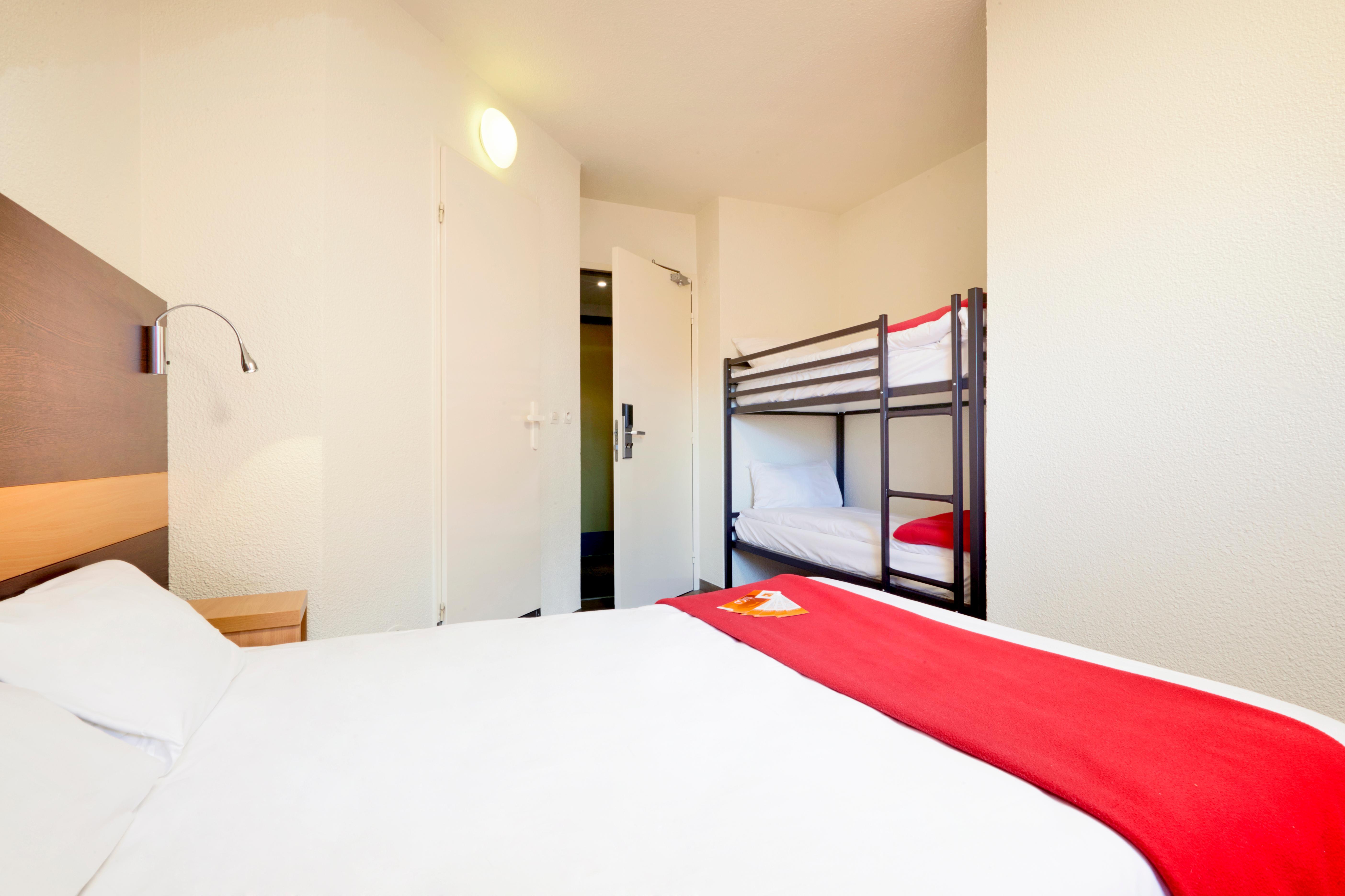 Hotel F1 Nemours